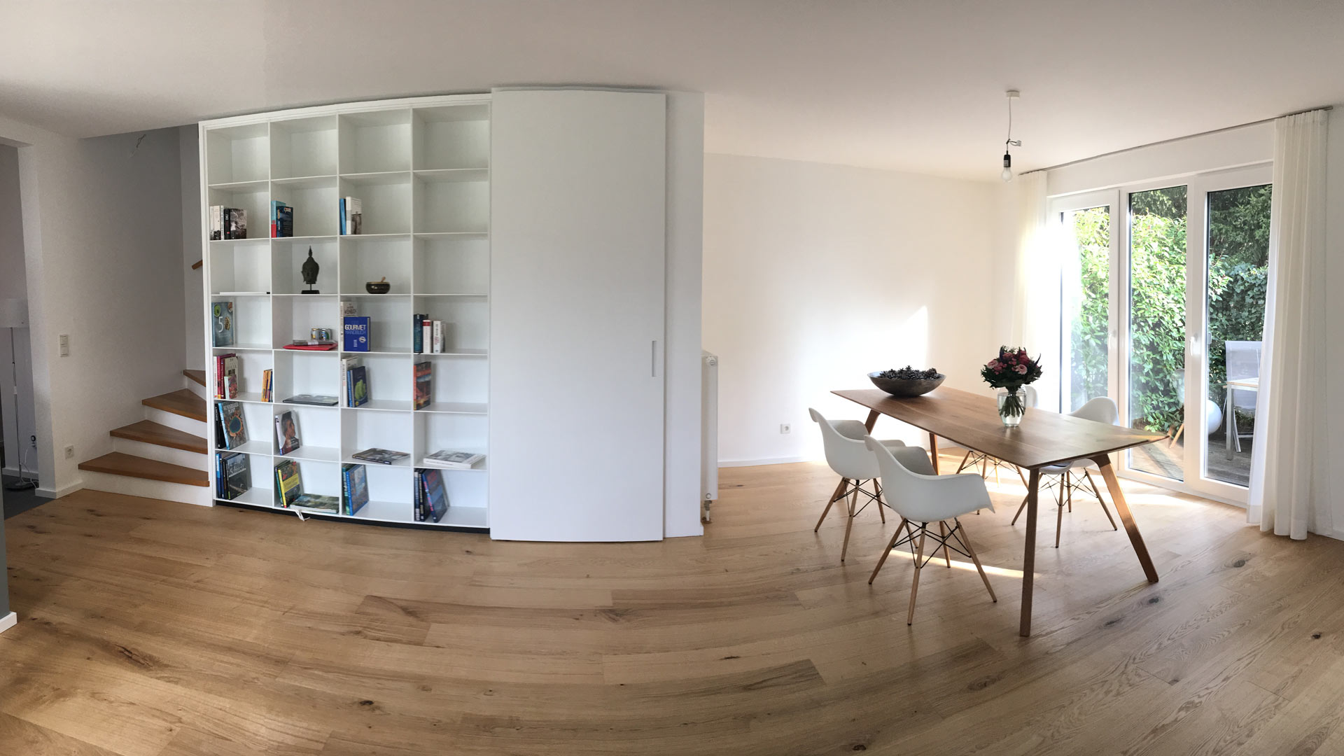 Wohnzimmer Regal Parkett Boden Schiebetuer Tisch Stuhl Eiche Weisslack Tischler Hannover